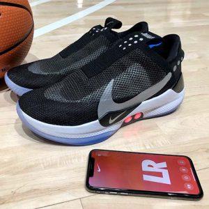 کفش هوشمند Adapt BB نایکی که در ژانویه امسال برای بسکتبالیت ها معرفی شد